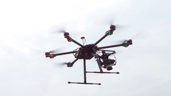 Unmanned aerial vehicle (UAV), open source software and piloting in REDD site